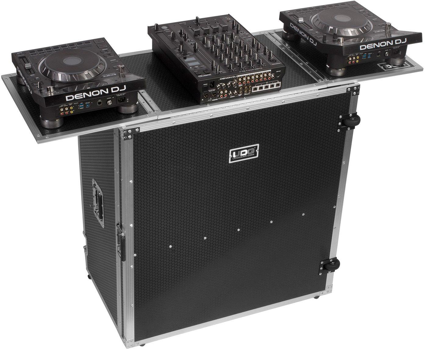 Udg U92049SL - UDG ULTIMATE FOLD OUT DJ TABLE SILVER PLUS (WHEELS)